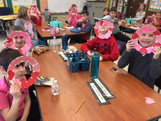 Third graders make kindness wreaths