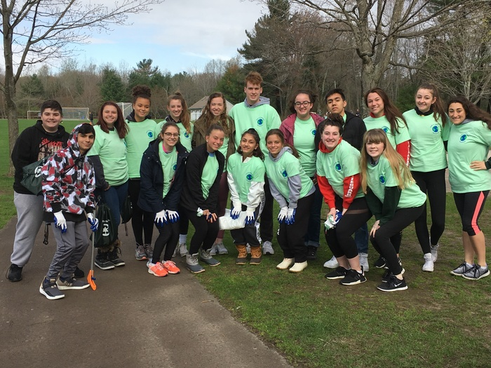 SHS Rotary Interact members at Deerfield Park